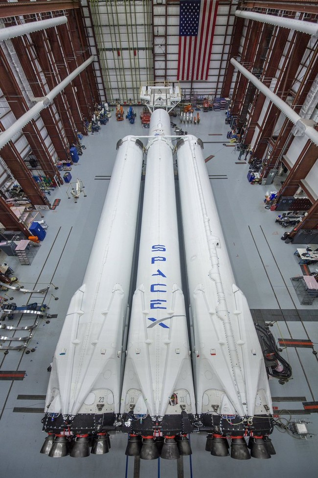Falcon Heavy Spacex 2