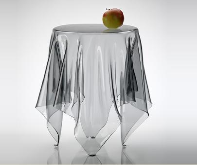 Illusion de John Brauer, una mesa fantasma