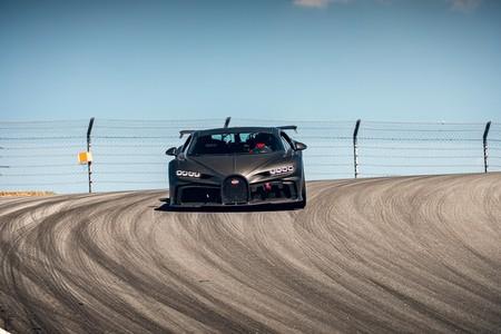 Bugatti Chiron Pur Sport Sale A Correr En La Pista 8