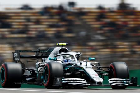 Valtteri Bottas le quita la pole a Lewis Hamilton por 23 milésimas y Ferrari y McLaren dan un paso atrás