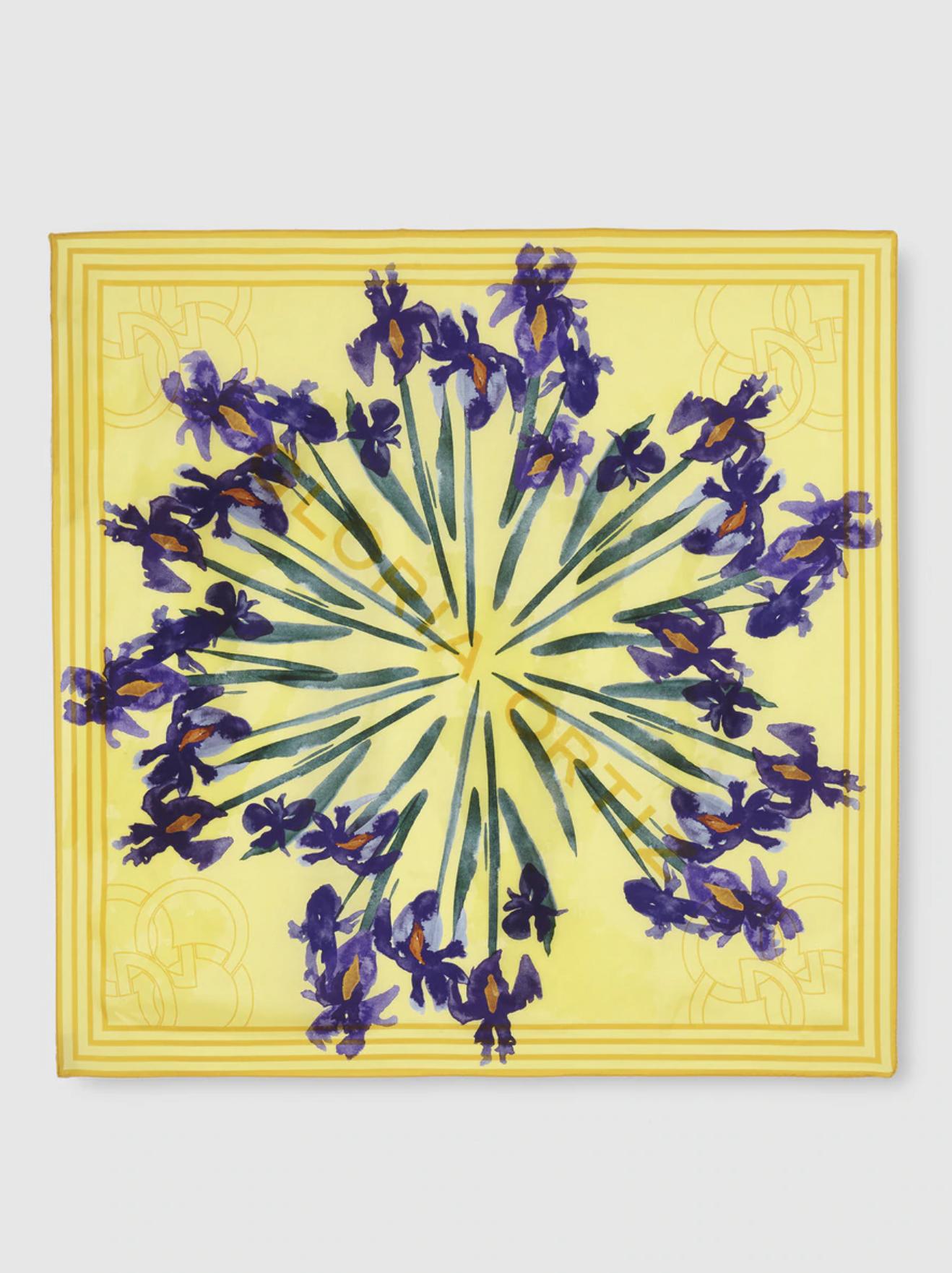 Pañuelo de seda Gloria Ortiz amarillo con estampado floral