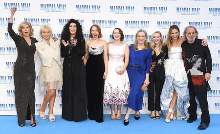 La alfombra azul de la premiere de 'Mamma Mía! Una y otra vez' en Londres