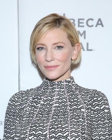 Cate Blanchett tiene un tropiezo estilístico de la mano de Valentino en el Festival de cine de Tribeca