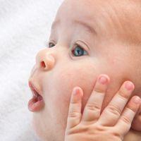 Para los adultos son más lindos los bebés a los seis meses que recién nacidos