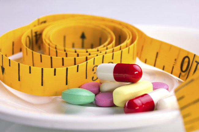Existe poca evidencia que respalde la eficacia de suplementos y terapias alternativas para la pérdida de peso, según la última revisión al respecto