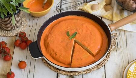 Tortilla en salsa: la receta de aprovechamiento que se convirtió en toda una receta por sí misma