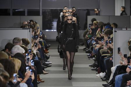 No se trata de un remake de Matrix, tan solo es el desfile de Alexander Wang
