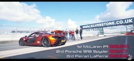 Ferrari LaFerrari vs McLaren P1 vs Porsche 918 Spyder en Silverstone