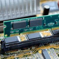 Consiguen mediante un hack convertir la tarjeta RAM en un emisor de señal Wi-Fi para sacar datos de un ordenador sin permiso