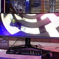 Las pantallas curvas siguen contando para los gamers: esta es la nueva apuesta curvada en formato ultrapanorámico de Asus