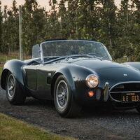 Si quieres regalarte un coche legendario, el Cobra 427 1965 que perteneció a Carroll Shelby saldrá a la venta