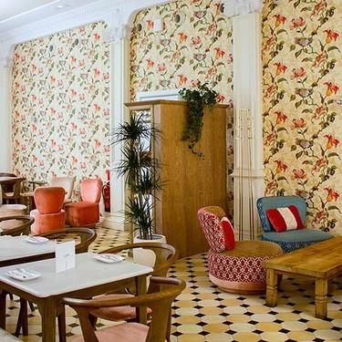 El indispensable restaurante barcelonés LATERAL CONSELL despide el año con un nuevo concepto de interiorismo