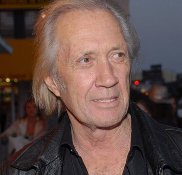 David Carradine es encontrado muerto