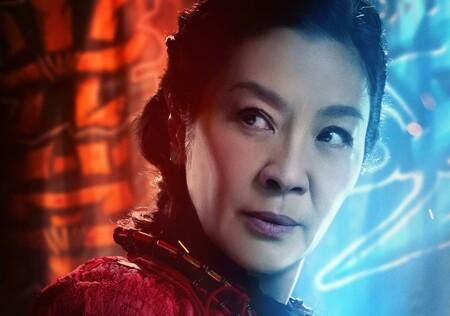 """""""Jackie Chan creía que las mujeres pertenecían a la cocina, hasta que le pateé el culo"""". Michelle Yeoh habla de los prejuicios en el cine de acción"""
