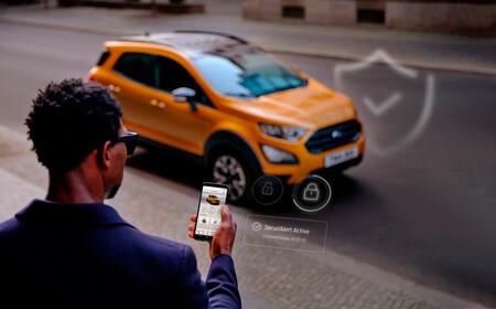 El teléfono móvil se convierte en la alarma del coche con esta nueva función de la app de Ford