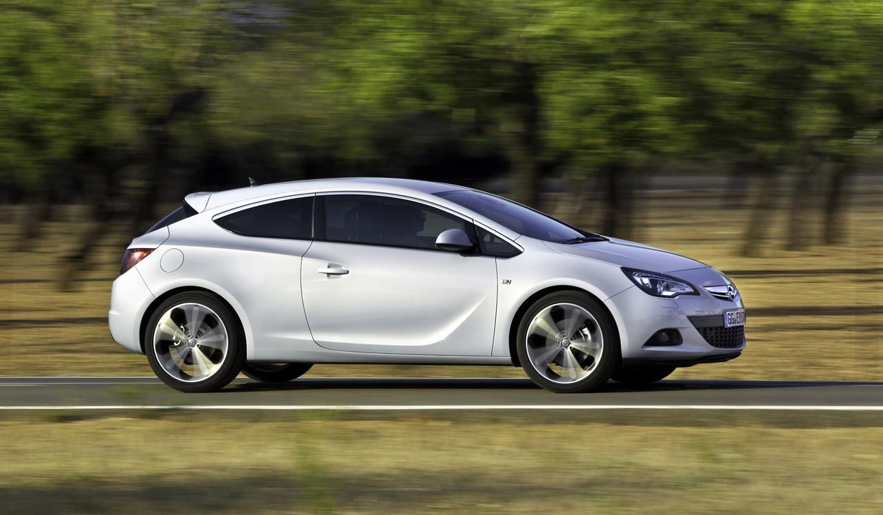 Foto de Opel Astra GTC (50/90)