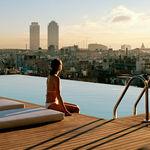 Las cinco piscinas de hotel más espectaculares de España para refrescarte este verano