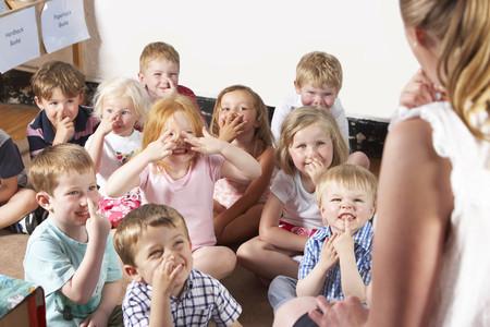 Cómo ayudar a tu hijo en la adaptación a la escuela infantil: estos son los consejos de las maestras