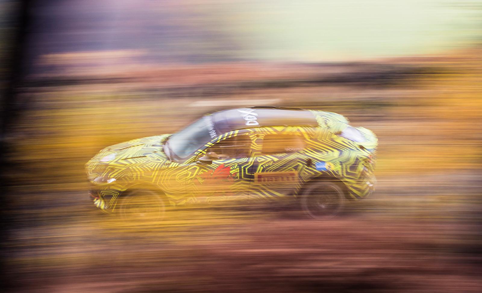 Foto de Aston Martin DBX, primeras imágenes (8/13)