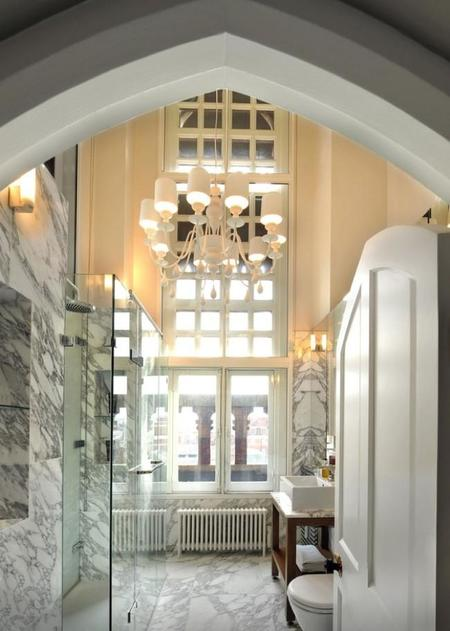 Gothic Penthouse Revived With Modern Finishes And Pops Of Color 14 Thumb Autox883 49203