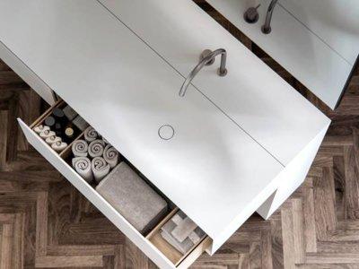 La piedra acrílica nos vuelve a enamorar esta vez en estos lavabos de diseño