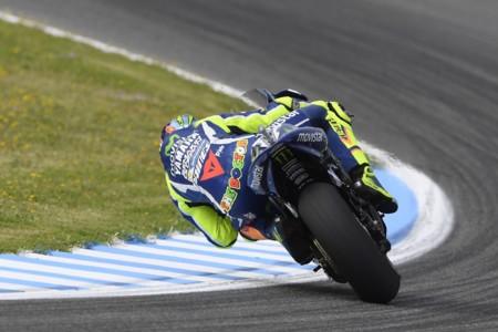 Pole para Valentino Rossi que sorprende a todos para la carrera de mañana