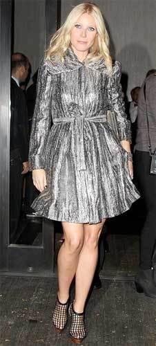 Como llevar un abrigo metálico por Gwyneth Paltrow