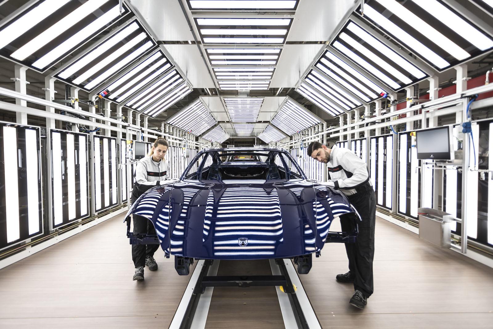 Foto de Fábrica Porsche Taycan (inauguración) (40/44)