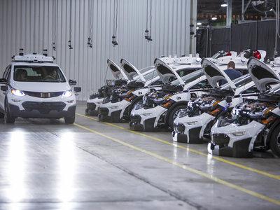 GM demuestra que los vehículos autónomos se pueden producir en masa con su nueva flotilla de Bolts