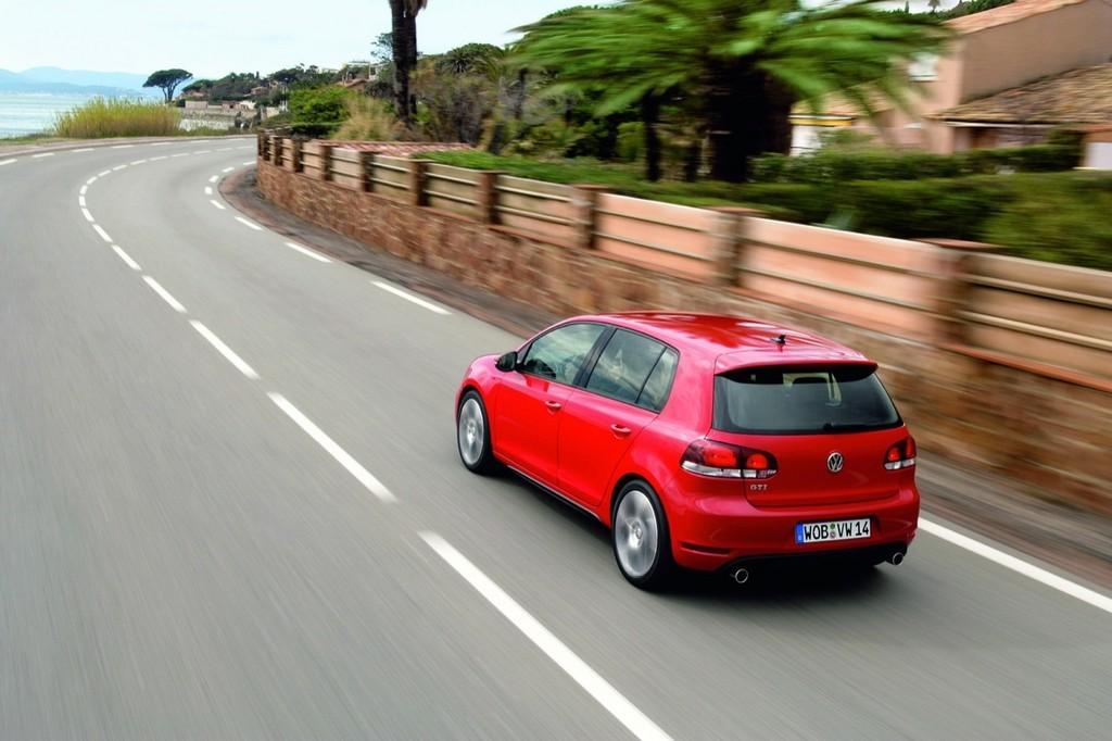 Foto de Volkswagen Golf GTi 2010 (22/38)