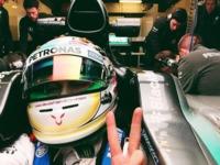 Hamilton a punto de renovar contrato con Mercedes