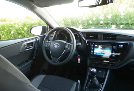 Toyota Auris 120t 10