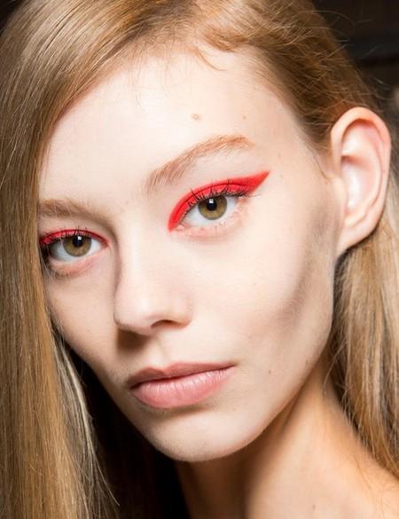 Eyeliner Rojo 4