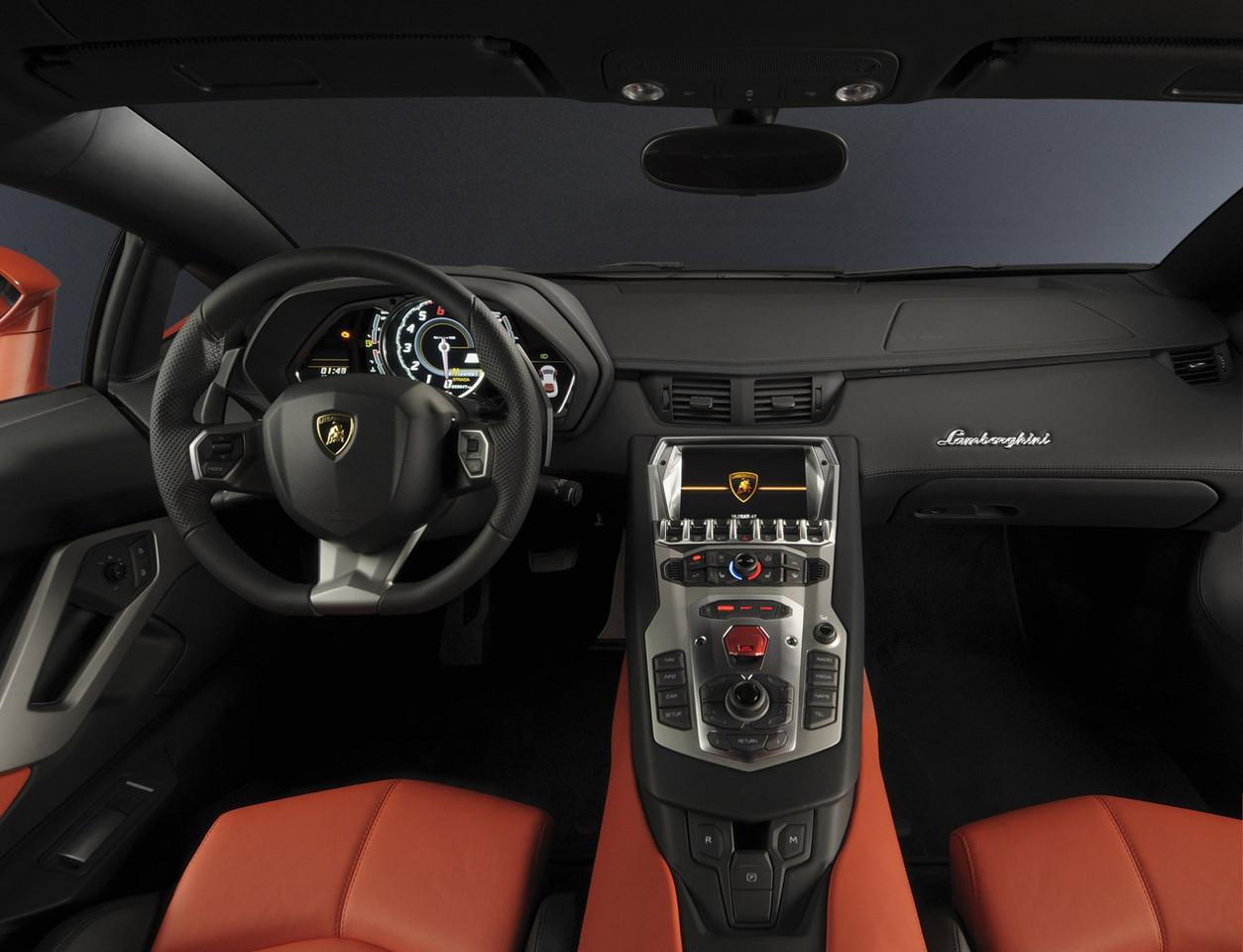 Foto de Lamborghini Aventador LP700-4 (24/62)