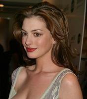 Anne Hathaway podría acompañar a Steve Carell en 'Get Smart'