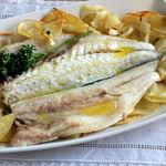 Lubina al horno fácil y rápida, la receta de pescado al horno que siempre te quedará bien