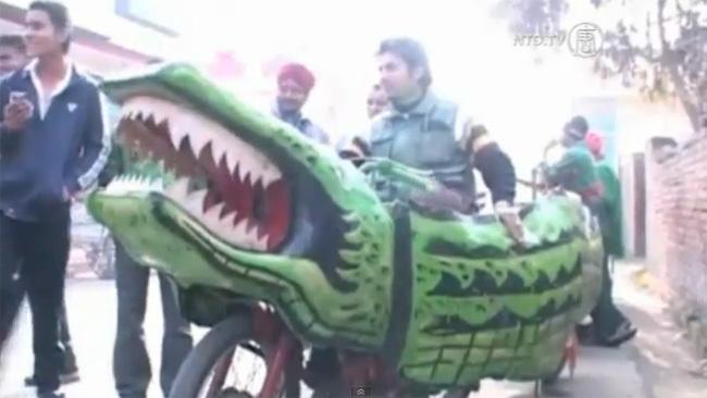 Moto cocodrilo en Punjab (India)