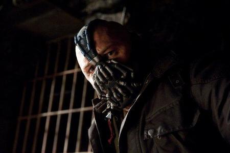 Tom Hardy es Bane en