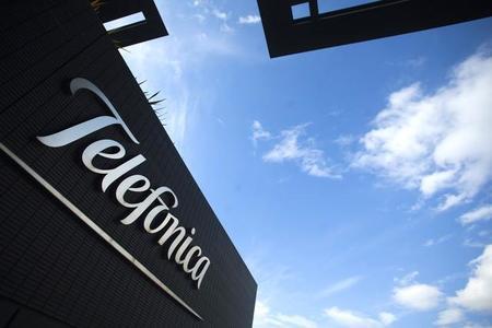 Telefónica en busca de socio comercial para hacerle frente a Slim: Bloomberg
