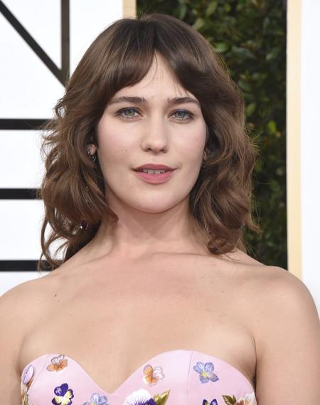 Las axilas sin depilar de Lola Kirke en los Globos de Oro a debate