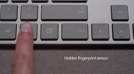 """El nuevo Modern Keyboard de Microsoft """"esconde"""" un sensor de huellas entre sus teclas"""