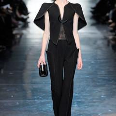 Foto 5 de 16 de la galería armani-prive-alta-costura-primavera-verano-2010-vestidos-de-noche-inspirados-en-la-luna en Trendencias