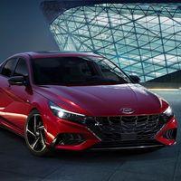 El Hyundai Elantra N-Line: es la variante de tintes deportivos con 201 hp y un look difícil de ignorar