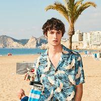 Cuatro prendas básicas para llevar a la playa según el nuevo catálogo de Sfera