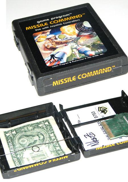 Carteras realizadas con cartuchos de juegos Atari
