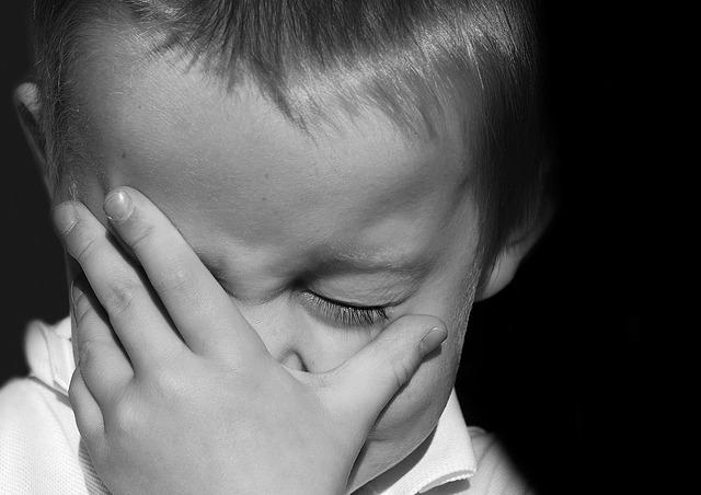 Cómo saber si un niño finge que está llorando