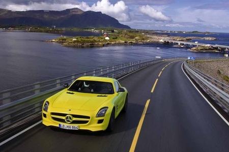Mercedes-Benz podría comercializar también un SLS AMG E-Cell roadster