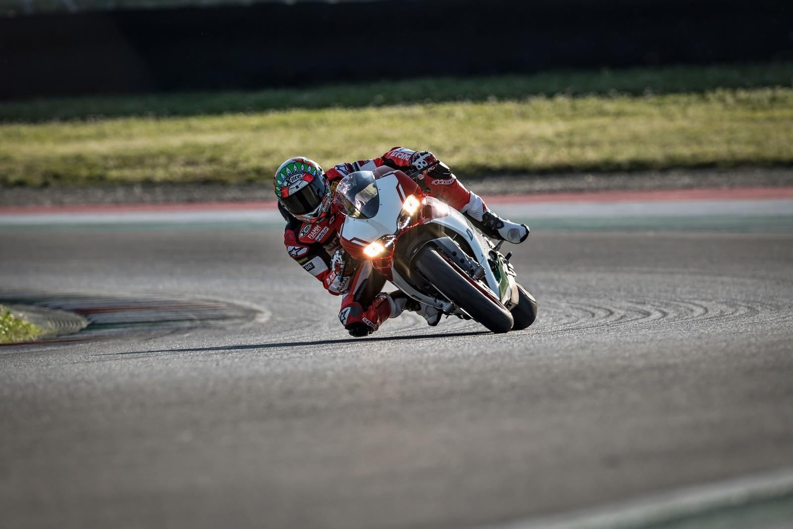 Foto de Ducati 1299 Panigale R Final Edition (26/58)