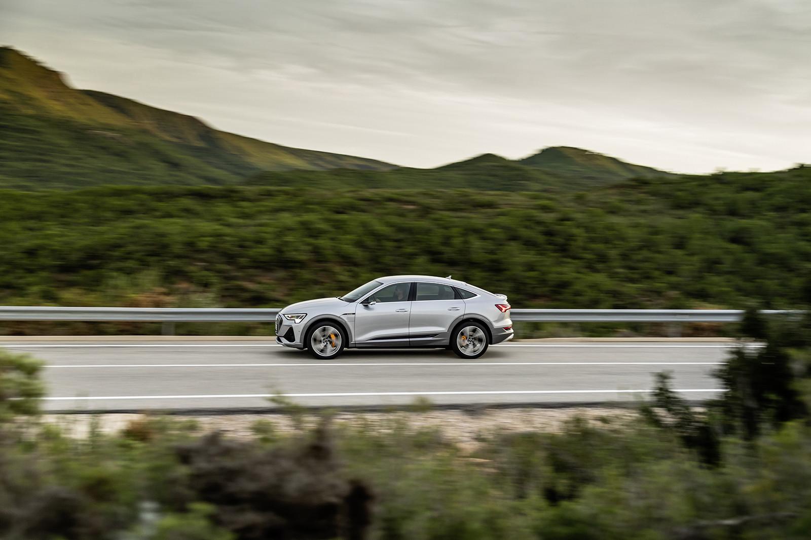 Foto de Audi e-tron Sportback (29/57)