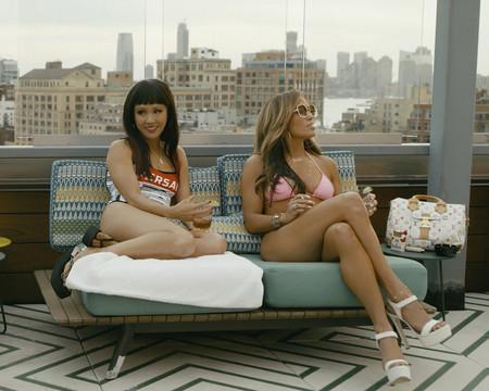 Estafadoras De Wall Street Con Constance Wu Y Jennifer Lopez 3